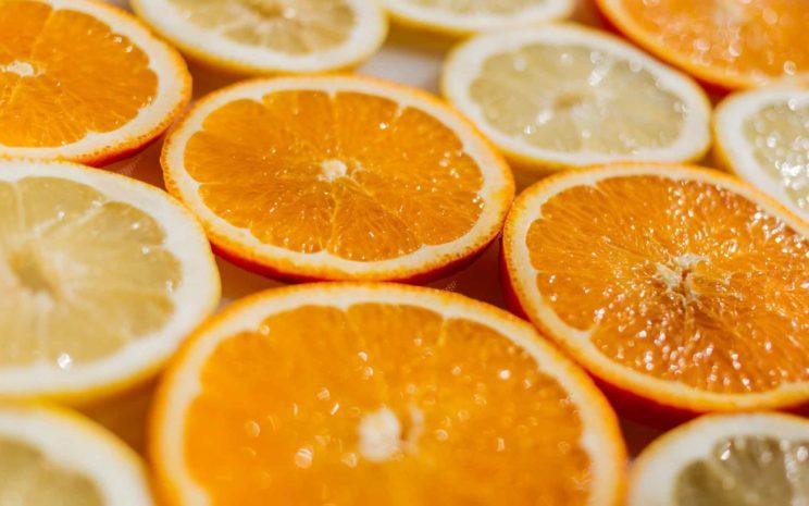 NY digital Online-Kommunikation Symbolfoto Orangen
